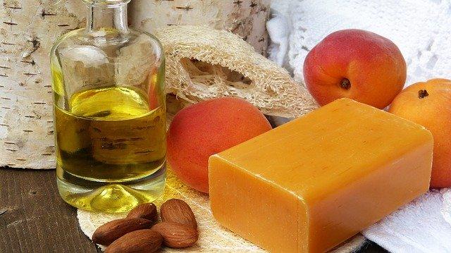 přírodní mýdlo a oleje