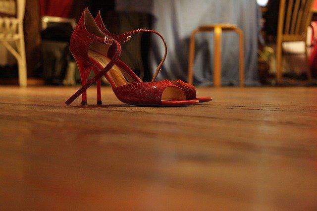 taneční boty pro ženu