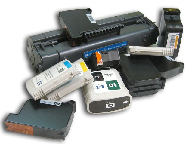 tiskárna s náplněmi