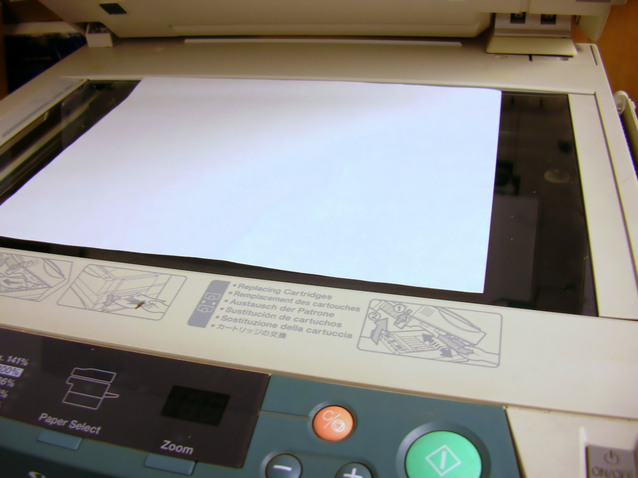 kopírka s papírem