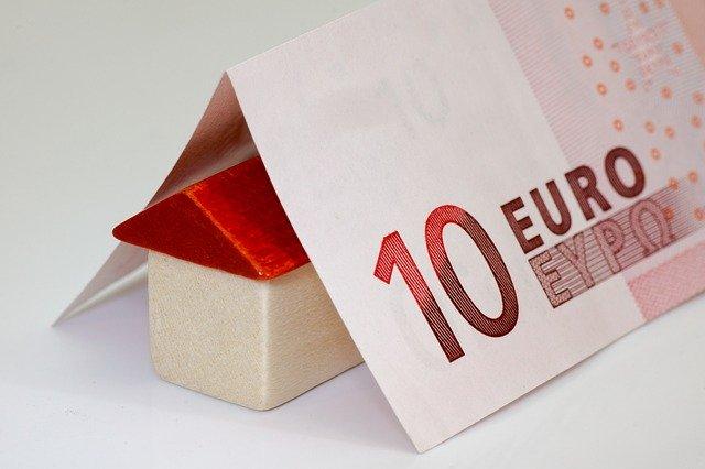 domeček z bankovek