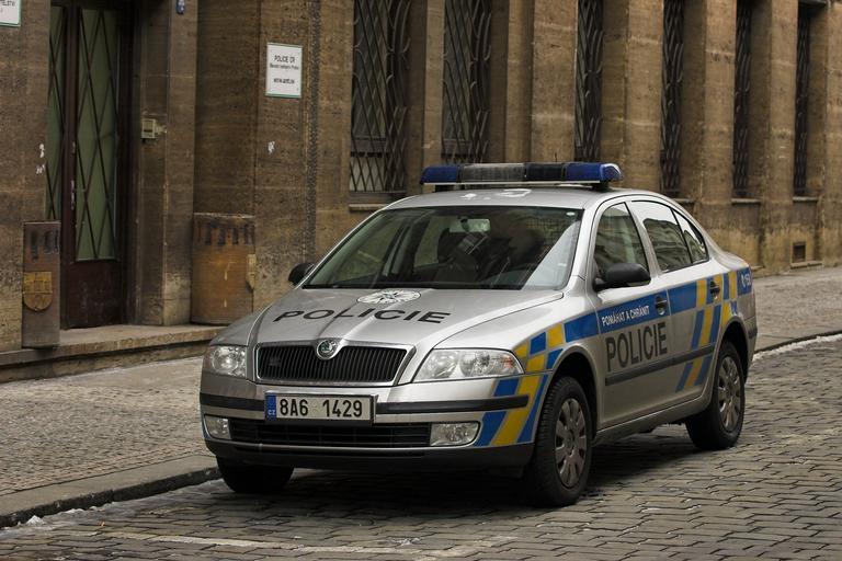 policejní auto – hlídka