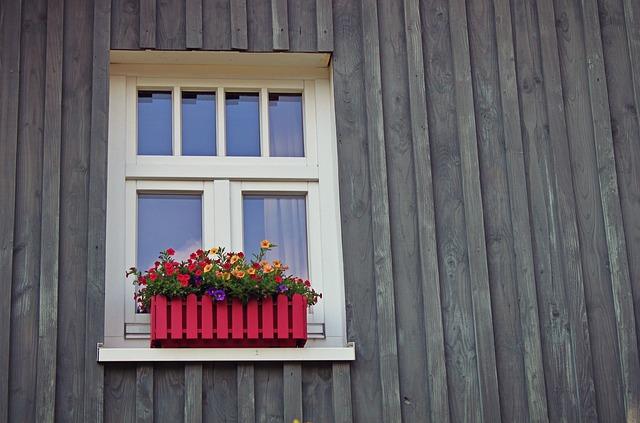 okno a fasáda