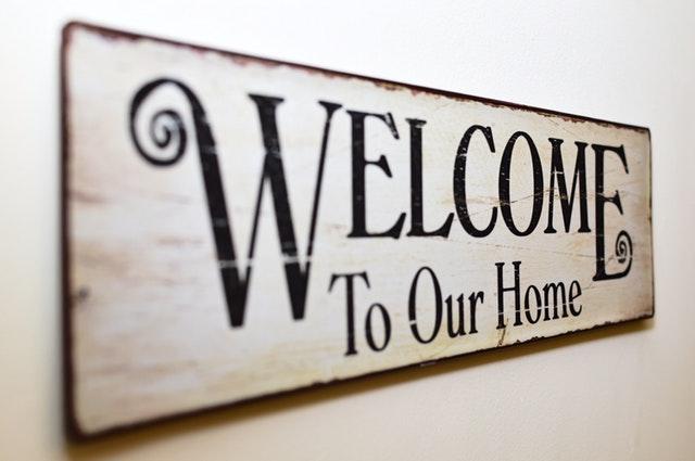 nápis vítej ve svém domově
