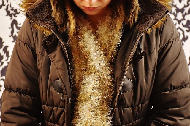 Žena v zimní bundě